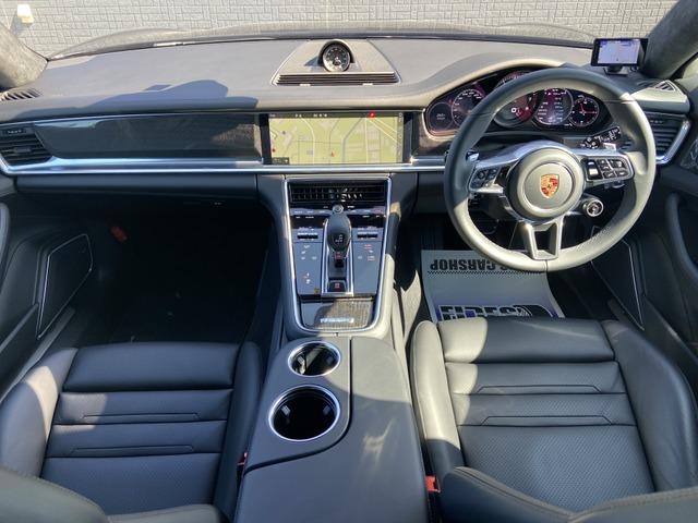 ポルシェ パナメーラスポーツツーリスモ 4S PDK 4WD